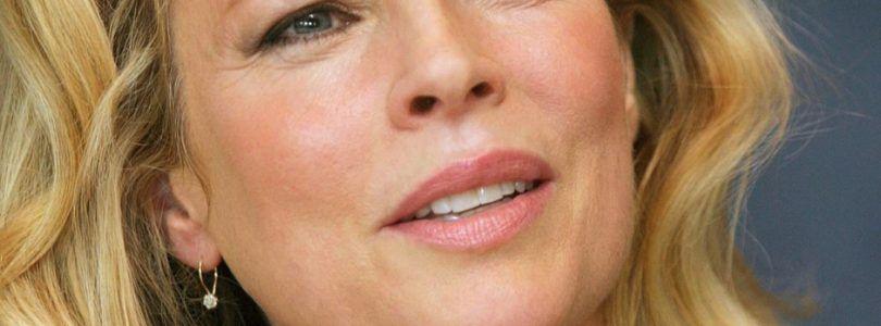 Kim Basinger se una a la segunda parte de 'Cincuenta sombras de Grey'…¡como Elena Lincoln!