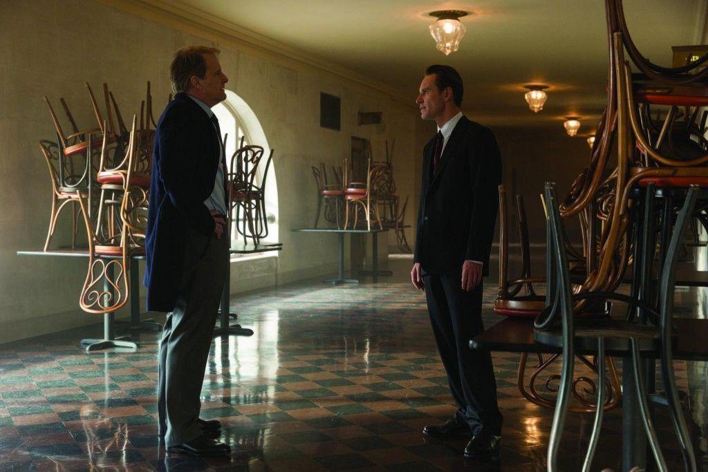 Jeff Daniels y Michael Fassbender en Steve Jobs (2015)