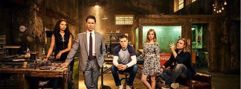 'Viajeros'(2016- Act) Netflix intenta arreglar los desastres del futuro