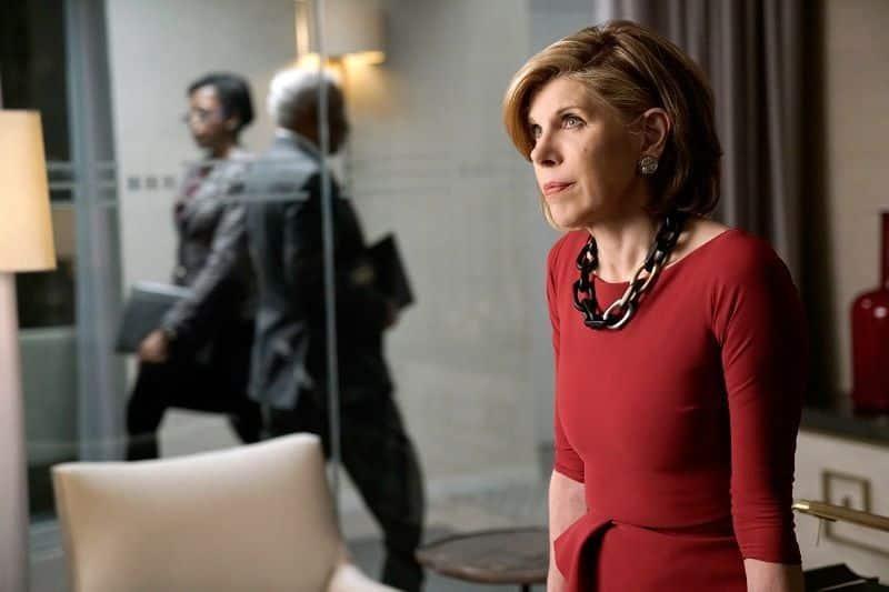 Diane Lockhart: vuelve el vestuario más elegante y los collares más vistosos | Imagen cortesía de CBS
