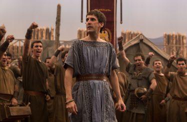 'Justo antes de Cristo' | Entre lo inteligente y lo absurdo | Movistar+