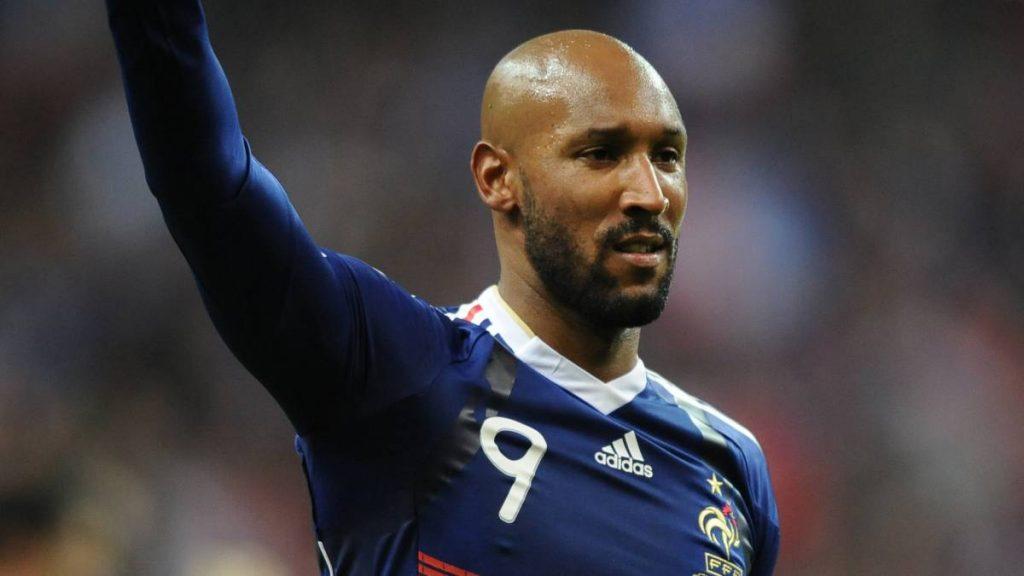 Anelka con la camiseta de la selección francesa.