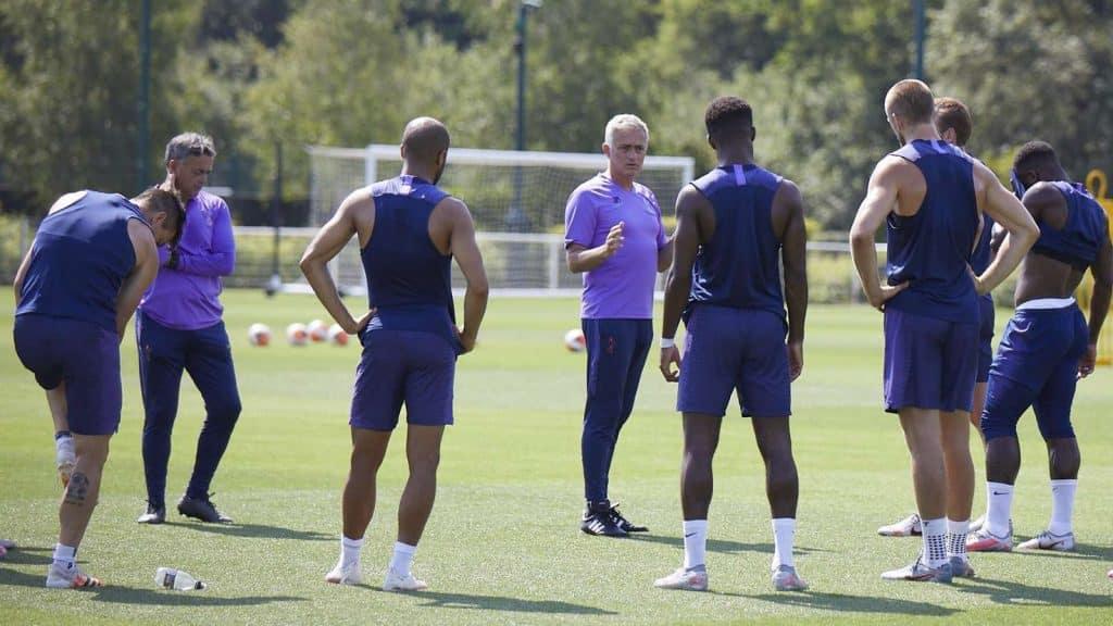 José Mourinho durante un entrenamiento.