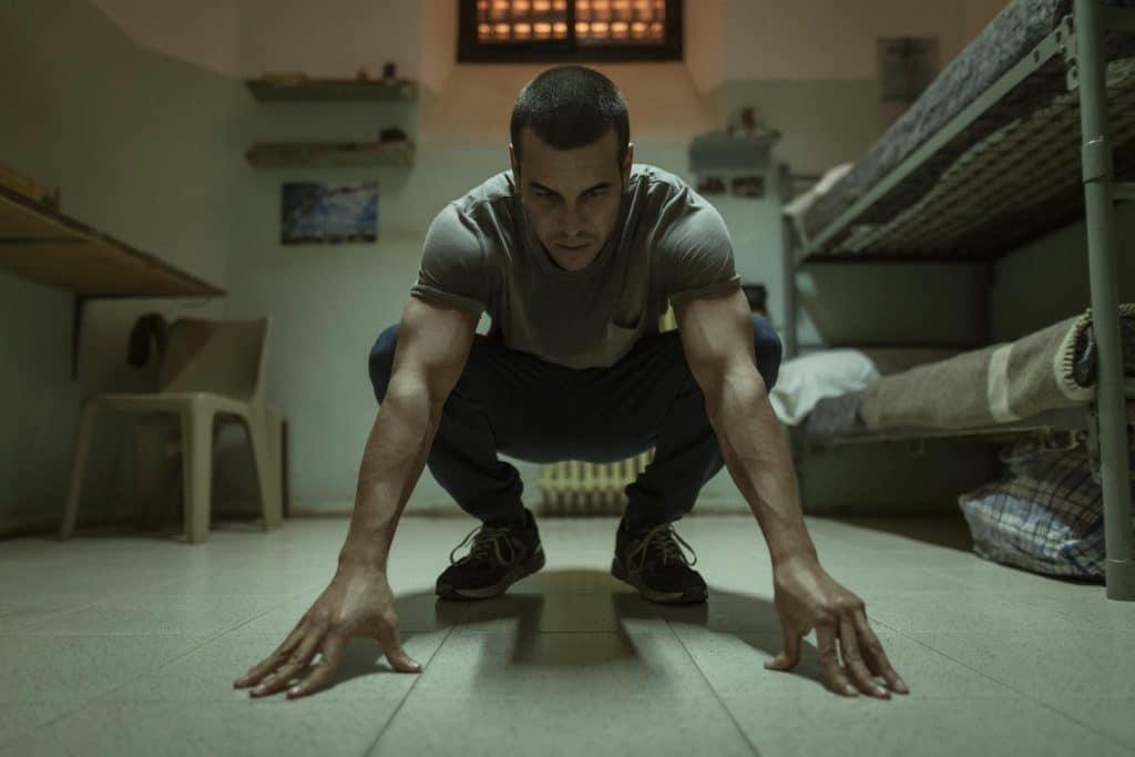 Mario Casas en un fotograma de 'El inocente' | Netflix