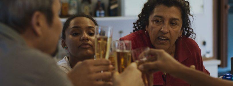 'Tres veranos', protagonizada por Regina Casé, llega a las salas el 6 de agosto
